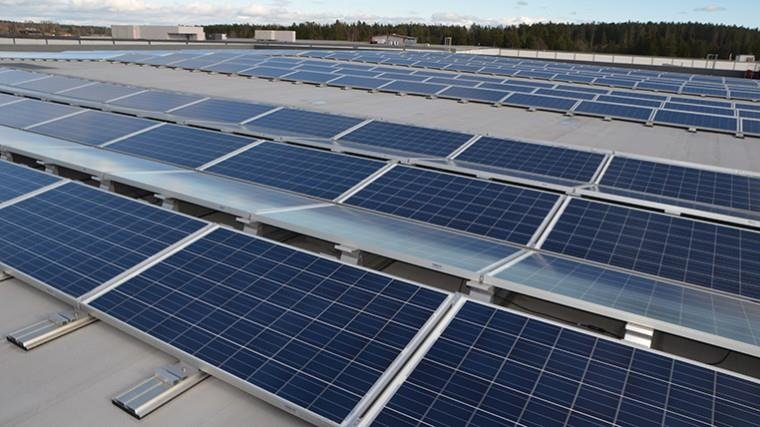East-west-facing-rows-of-PV-modules-with-low-tilt-angle-on-one-of-Norways-largest-PV